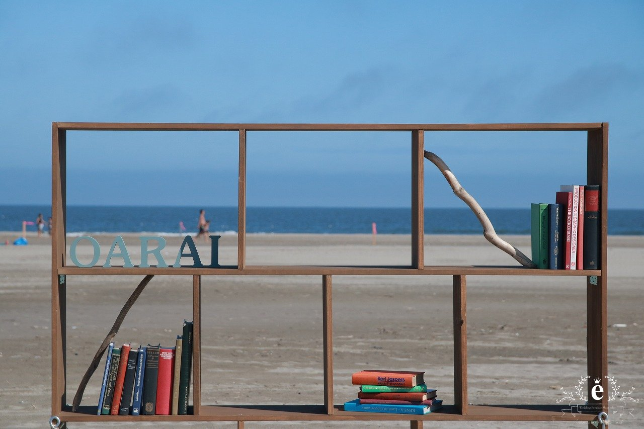 砂浜図書館-大洗-大洗サンビーチ-図書館-コーディネート-フォトスポット-癒し-ロケーション-水戸-エクラ
